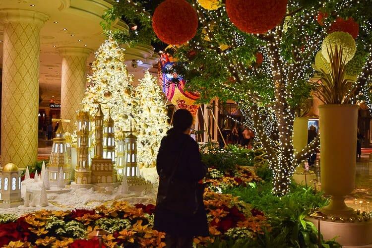 winn christmas decorations las vegas